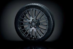 19インチ鍛造アルミホイール「TRD SF4」&タイヤセット